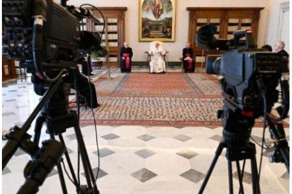 El Papa Francisco. No estamos solos en este momento de prueba, confiemos a Cristo