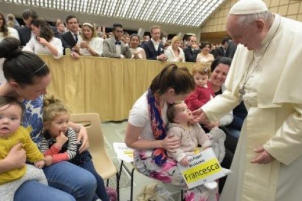 El Papa. No hay trucos que cubran nuestra vulnerabilidad todos somos pobres