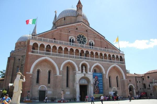 Basílica de San Antonio de Padua, Italia