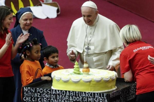 Feliz 82 cumpleaños Papa Francisco