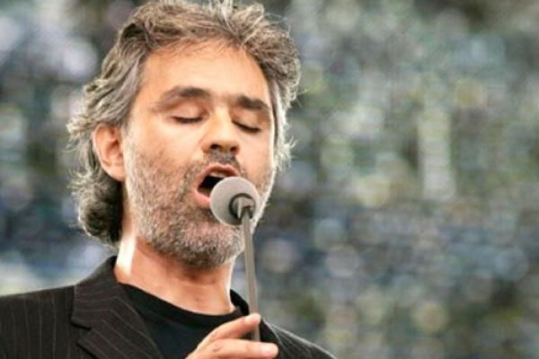 Andrea Bocelli cantara para el Papa Francisco en encuentro mundial de Familias en Dublin