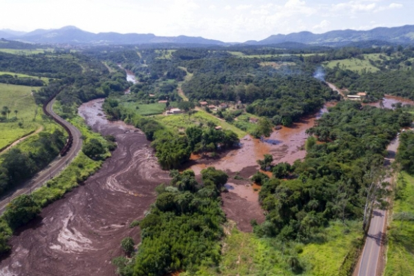 Hallan intacta una imagen de la Virgen tras las inundaciones de Brasil