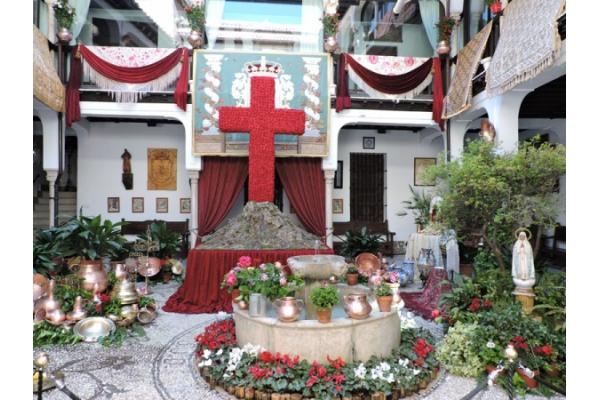"""El 3 de mayo se conmemora """"la Cruz de mayo"""""""