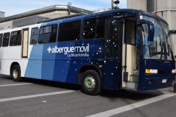El Bus de la Misericordia al servicio de las personas que viven en situación de calle