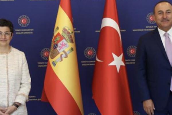 El ministro de exteriores turco le aclara a su homóloga española