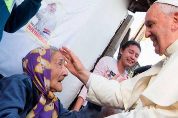 El Papa Franisco nos dice los abuelos son fundamentales para transmitir humanidad y fe