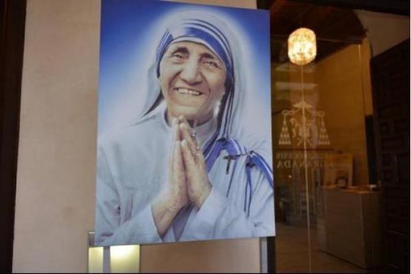 Exposición sobre Santa Teresa de Calcuta llega a Granada