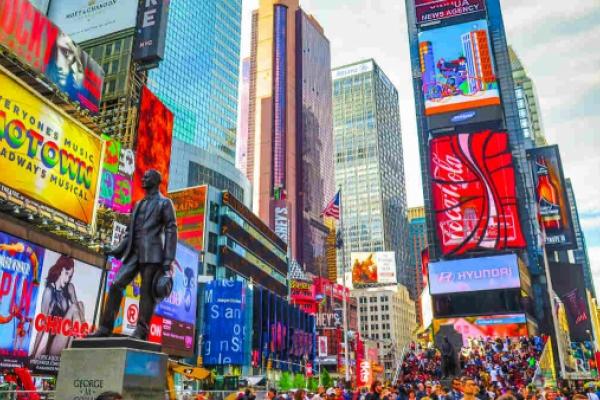 Times Square: Miles de personas contemplan en directo una ecografía en 4D