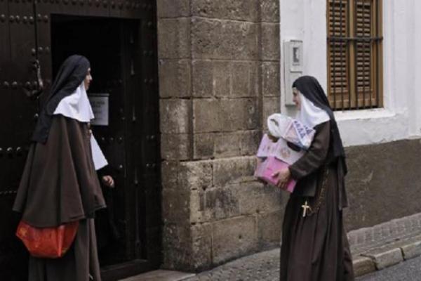 Hermanas de la Cruz en Sevilla 143 años de amor a los pobres