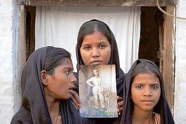 Islamistas disparan contra la casa de las hijas de Asia Bibi