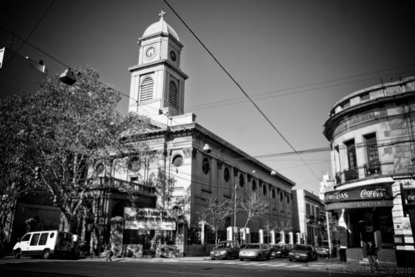 iglesia_san_antonio_de_padua_parque_patricios_argentina.jpg