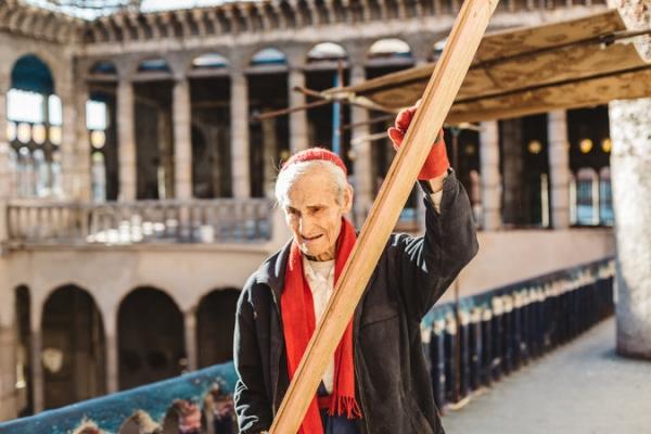 La asombrosa historia de Justo Gallego, el hombre que lleva 53 años construyendo una Catedral