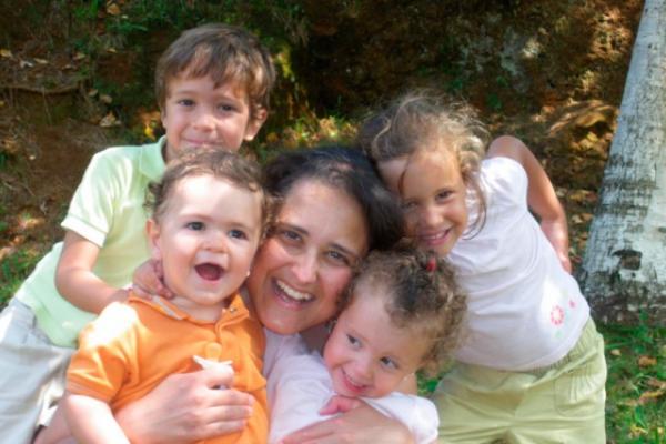 Una madre de 8 hijos lanza una exitosa iniciativa para rezar por España