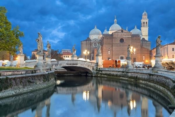 San Antonio, famoso por sus milagros: «El Pan de los Pobres» organiza una peregrinación hasta Padua