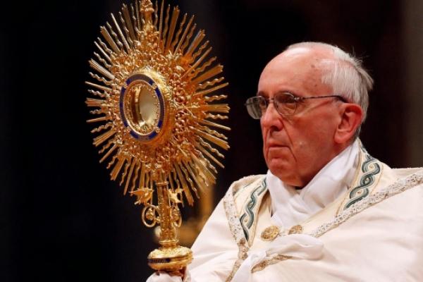 papa-francisco-corpuschristi.jpg