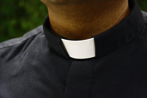 ¿Por qué los sacerdotes necesitan nuestras oraciones?