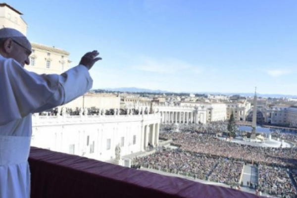 """Mensaje navideño y Bendición """"Urbi et Orbi"""" del Papa Francisco"""