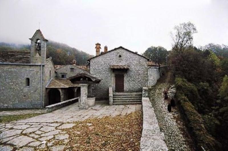 Ermita de Montepaolo, hábito San Antonio de Padua desde la primavera de 1221 al otoño de 1222
