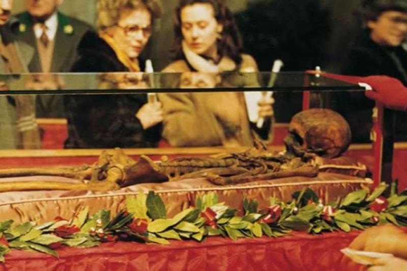 San Antonio fue enterrado en Padua, el martes 17 Junio 1231