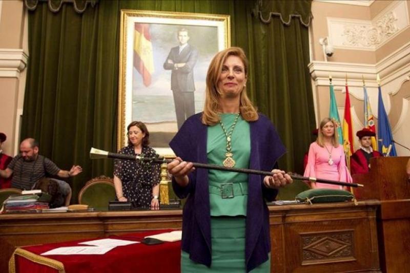 El Ayuntamiento de Castellón de la Plana rectifica a medias tras señalizar iglesias cristianas con medias lunas