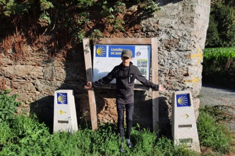 Álvaro con discapacidad hace el Camino de Santiago y el Papa le felicita