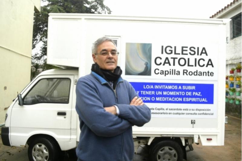 """""""La capilla rodante"""" para combatir la indiferencia religiosa en Uruguay"""