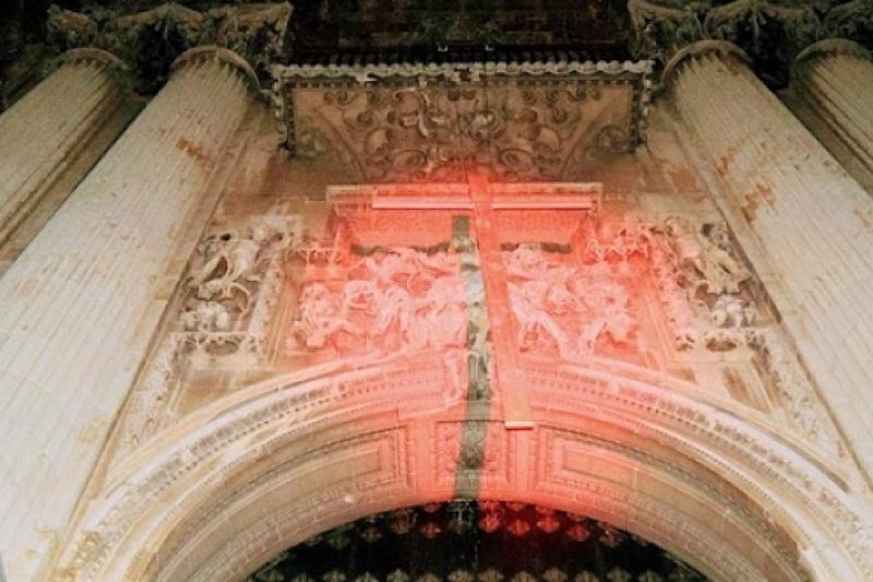 La catedral de Jaén se tiñe esta noche de rojo por los cristianos perseguidos