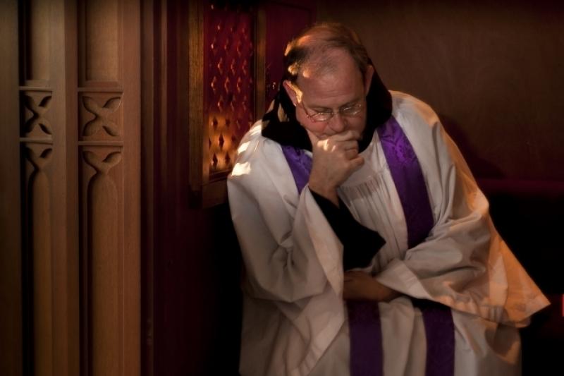 Retirado el proyecto californiano que pretendía que los sacerdotes violasen el secreto de confesión