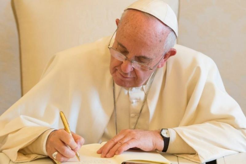 El Papa dedica una Carta Apostólica a cambiar el nombre del Archivo del Vaticano