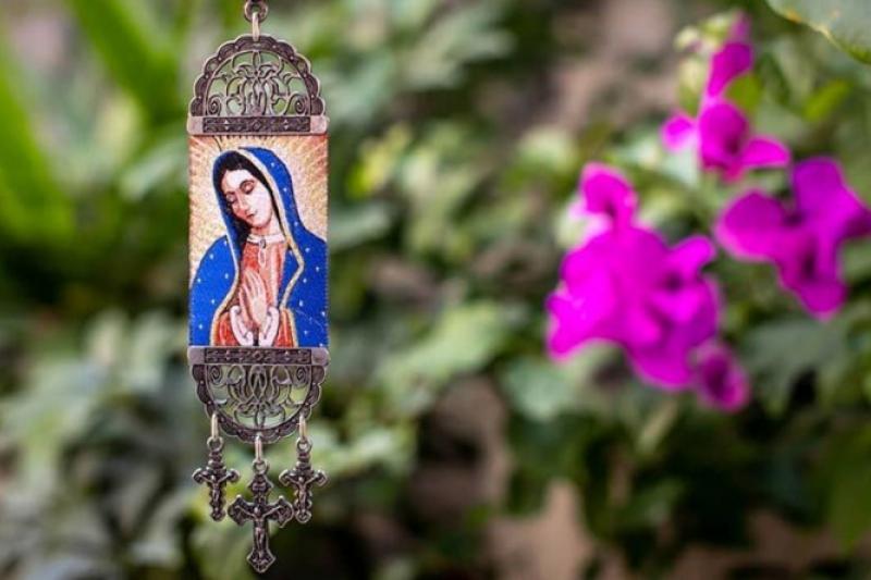 EL Arzobispo de Los Ángeles regalará imágenes bendecidas de la Virgen María a las familias