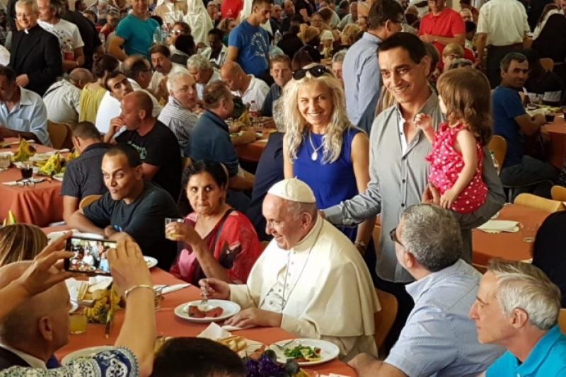 El Papa Francisco se va de cena con los pobres