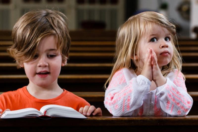 6 mensajes equivocados para tus hijos cada vez que faltas a Misa un domingo