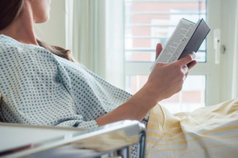 Ningún paciente sin Biblia durante la pandemia