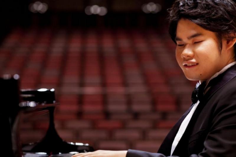 Nobuyuki Tsujii, el pianista ciego y con Síndrome de Down que impacta al mundo