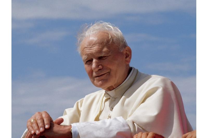 La historia del Papa Juan Pablo II y el misterioso sin techo