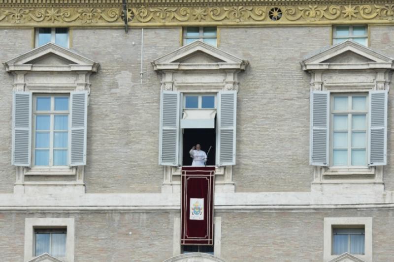¿Quién y cuando inauguró la tradición de rezar el Ángelus en San Pedro?