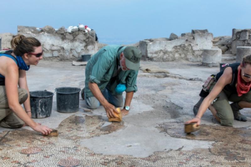 Un mosaico recién descubierto podría contener pistas sobre el milagro de los panes y los peces
