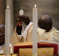 El Cardenal Robert Sarah pide Oraciones por los Sacerdotes