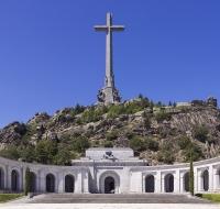 San Juan XXIII, Papa: «Yérguese airoso en la sierra de Guadarrama el signo de la Cruz Redentora». Cruz del valle de los Caídos