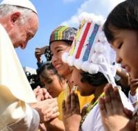 El Papa Francisco llega a Myanmar