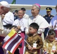 El Papa llega a Bangkok, capital de Tailandia