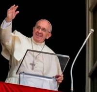 Francisco oró por la paz en Ucrania
