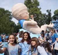 Multitudinaria marcha por la vida en Argentina
