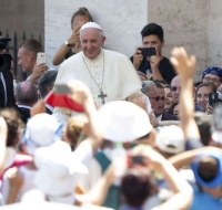 Papa Francisco recibirá a jóvenes lideres católicos de más de 100 países