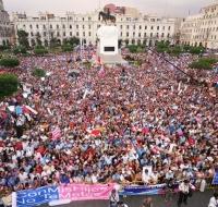 Multitudinaria marcha contra la ideología de género en Perú #conmishijosnotemetas