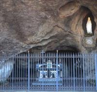 El Papa rezará por el fin del coronavirus en la gruta de Lourdes del Vaticano