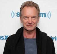Sting impacta cantando a la Virgen María