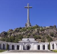 El prior de la Abadía del Valle de los Caídos, protege la inviolabilidad de la Basílica