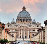 Vaticano niega intervención sobre la exhumación de Franco