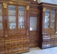 El curioso museo de la Farmacia de Bratislava que está lleno de Santos